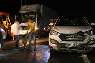 Bản tin tai nạn giao thông 27/10: Tai nạn liên hoàn 3 ô tô ở Quảng Trị
