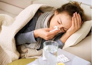 Khi bị ốm, bạn nên ăn hay nhịn?