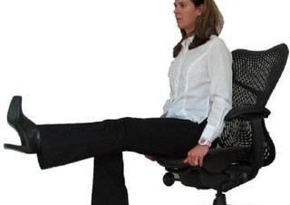 6 bài tập cực đơn giản giúp chị em văn phòng luôn có eo con kiến