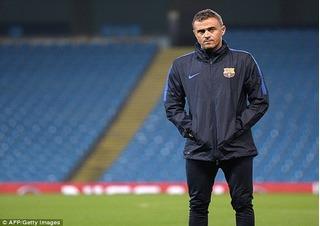HLV Barcelona lớn tiếng cảnh báo Pep Guardiola hãy