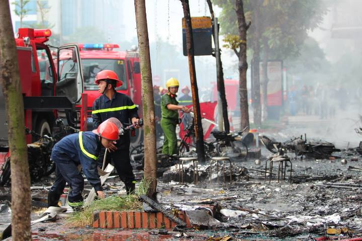 Một số hình ảnh tại hiện trường vụ cháy lớn 4