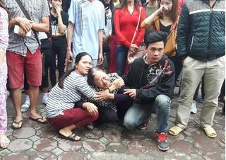 Cháy quán karaoke Trần Thái Tông: Những giọt nước mắt ngóng người thân