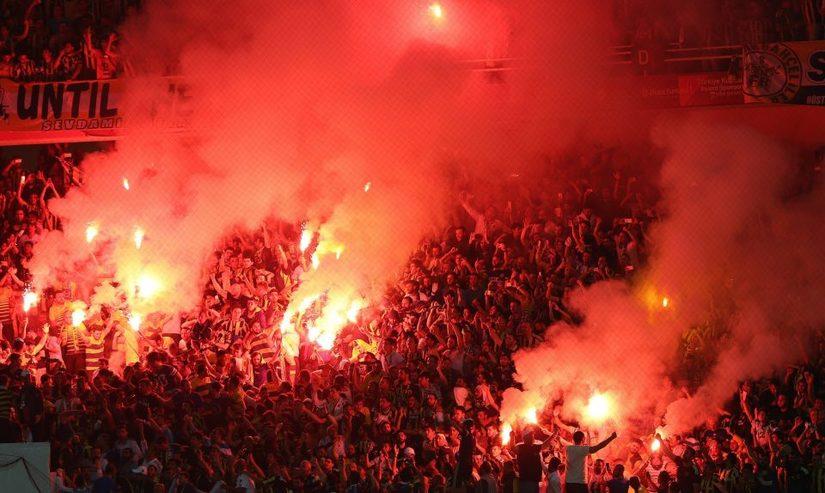 Man United lo ngại tình hình an ninh tại Fenerbahce