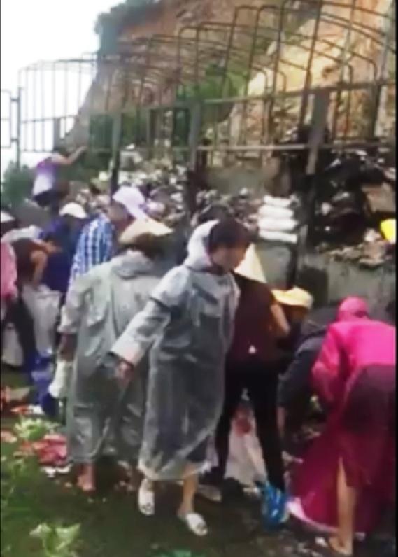 Hình ảnh đáng xấu hổ trong clip hôi của ở Bình Định