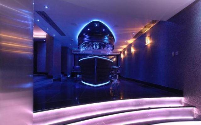 Nasri xây riêng hộp đêm dưới tầng hầm
