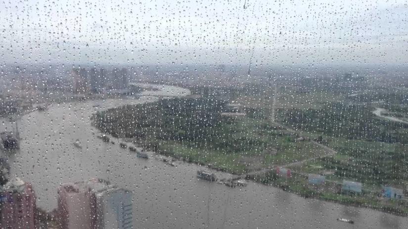 Dự báo thời tiết ngày mai miền Trung, miền Nam tiếp tục mưa to