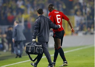 Man United gặp đại họa, Paul Pogba dính chấn thương