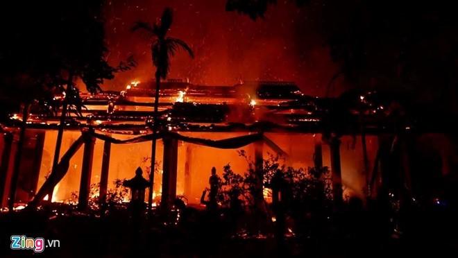 Hiện chưa có thông tin về con số thương vong trong vụ cháy chùa Tĩnh Lâu