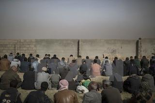 18 người dân Iraq chết thương tâm trên đường chạy nạn IS