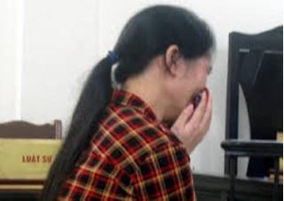 Nước mắt người mẹ đơn thân lỡ tay đánh chết nghịch tử
