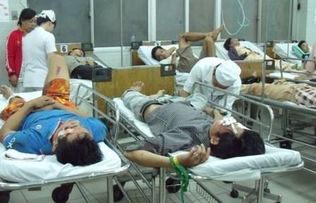 Theo các bác sĩ bệnh viện Việt Đức, hầu như ngày nào bệnh viện cũng tiếp nhận các trường hợp là nạn nhân của đánh nhau