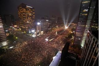 Biển người Hàn Quốc biểu tình kêu gọi Tổng thống Park Geun-hye từ chức