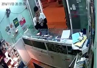 Clip hotboy cướp điện thoại ở Hà Đông