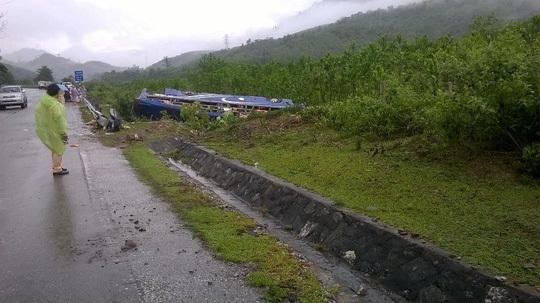 Những người bị thương trong vụ xe khách lật ở Quảng Nam không có ai nguy kịch