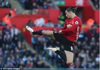 Ibrahimovic nói gì khiến Man United sung sướng?