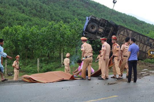 2 người tử vong trong vụ xe khách bị lật ở Quảng Nam là Việt kiều