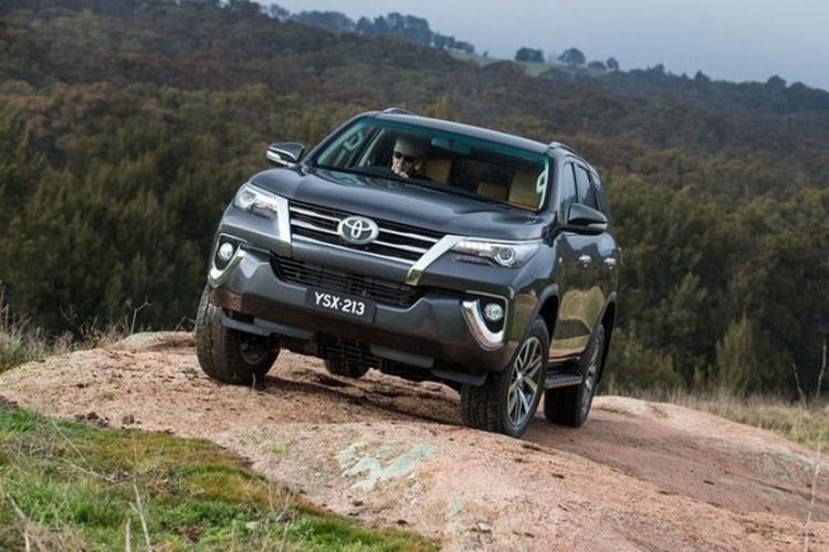 Top 10 mẫu xe bán nhiều tháng 10/2016 2