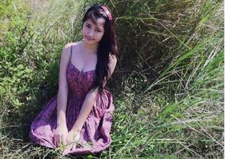 Hòa Minzy khoe vòng 1 bốc lửa từ thuở 16 tuổi