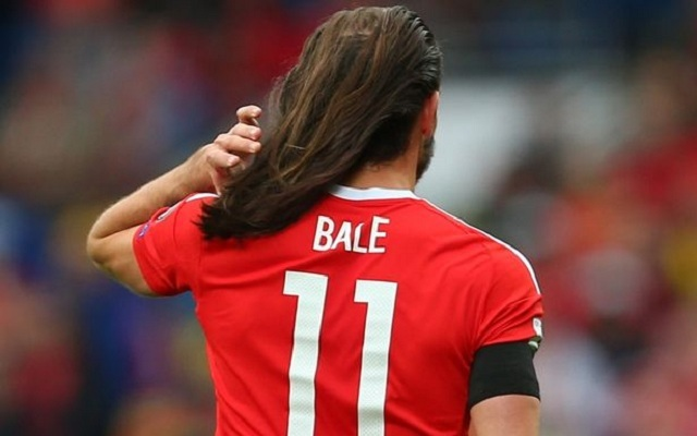 Bale giống như Tarzan