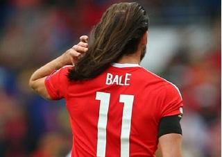 Sau Ronaldo, đến lượt Bale được đồng đội khuyên đi quảng cáo dầu gội đầu