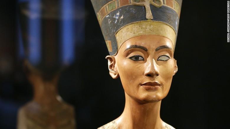 Nữ hoàng Nefertiti là người phụ nữ nắm quyền lực đầu tiên của thế giới cổ đại