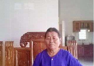 Gặp lại mẹ già sau 13 năm trốn lệnh truy nã