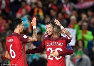 Đá hỏng 11m,  Ronaldo vẫn giúp Bồ Đào Nha hưởng niềm vui
