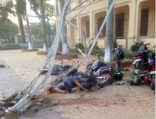 Cần cẩu đè chết học sinh Nghệ An: Sở Xây dựng nói không biết về công trình