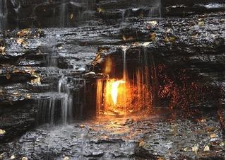 Bí ẩn không lời giải về ngọn lửa vĩnh cửu ở Mỹ