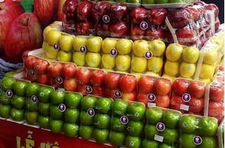 Những nguy cơ trông thấy từ trái cây xách tay nước ngoài