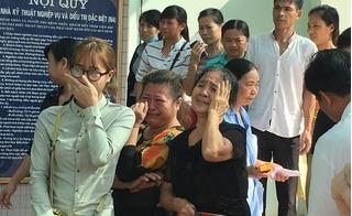 Nổ bốt điện ở Hà Đông: Gia đình nức nở đón thi thể nạn nhân tàn tật