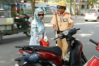Không phạt lỗi xe không chính chủ với xe máy mượn của người thân