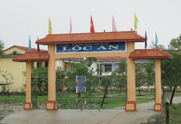 Trường THCS Lộc An, nơi xảy ra vụ việc côn đồ đánh bảo vệ