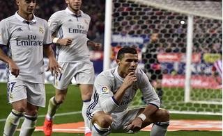 Lập hattrick, Ronaldo san phẳng sân vận động Calderon