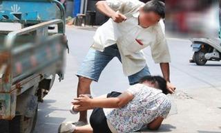 Nhát búa oan nghiệt đoạt mạng vợ của người đàn ông bị Down