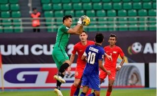 Siêu dự bị tỏa sáng, Thái Lan giành chiếc vé đầu tiên vào vòng trong