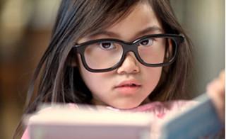 Rất có thể con bạn đang mắc bệnh nhược thị như MC Vân Hugo!