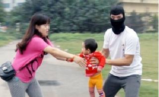 Cơ quan công an khuyến cáo thủ đoạn lẻn vào nhà bắt cóc trẻ em của loại tội phạm mới