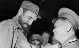 Rưng rưng nhớ những lần cựu Chủ tịch Fidel Castro đến thăm Việt Nam