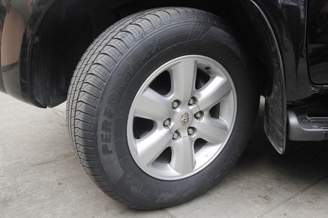 Lốp xe tự vá được giới thiệu ở Việt Nam