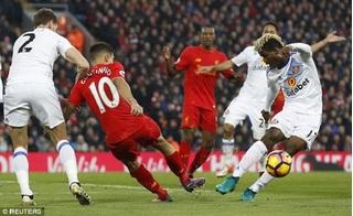 Philippe Coutinho dính chấn thương kinh hoàng, thảm họa cho Liverpool
