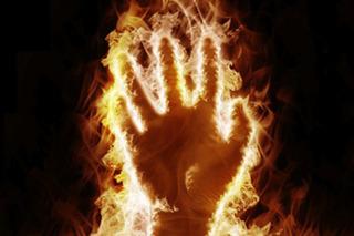 Bí ẩn thách thức khoa học gần 200 năm: Người tự bốc cháy