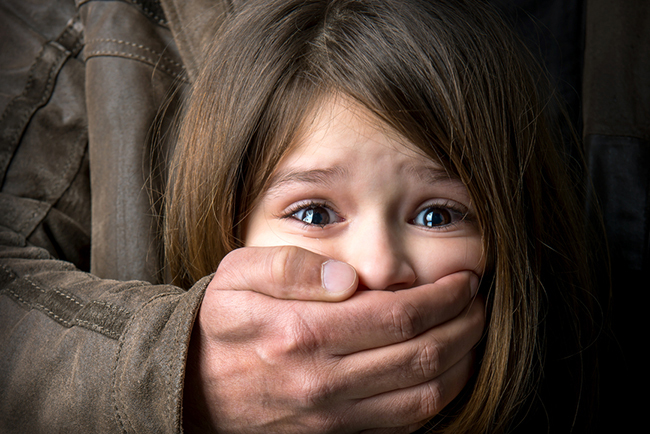 Hiện công an đã vào cuộc điều tra, xác minh vụ việc bé gái 7 tuổi bị kẻ lạ trói tay chân