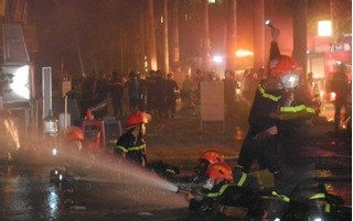 Cháy lớn ở chung cư Xa La: 2 năm, 3 lần dân Xa La khốn khổ vì