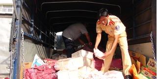 Bắt giữ 2 tấn sụn gà không rõ nguồn gốc sắp sửa vào bếp Sài Thành