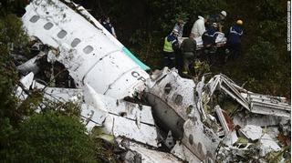 Vén màn bí ẩn nguyên nhân vụ rơi máy bay thảm khốc ở Colombia