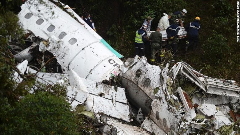 Hiện trường vụ máy bay rơi ở Colombia