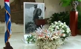 Hộp đựng di hài Chủ tịch Fidel Castro tham gia