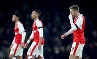Thi đấu bằng đội hình dự bị, Arsenal thua mất mặt trước Southampton