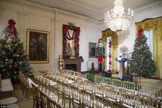 Dạo vòng quanh Nhà Trắng trong Giáng sinh cuối của Tổng thống Obama